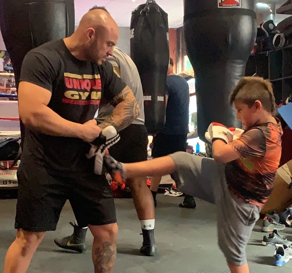kids kickboxing with trainer in medway gym